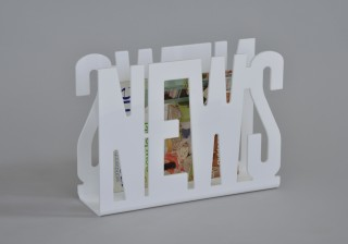 NEWS shape Design Acrylic Magazine Rack